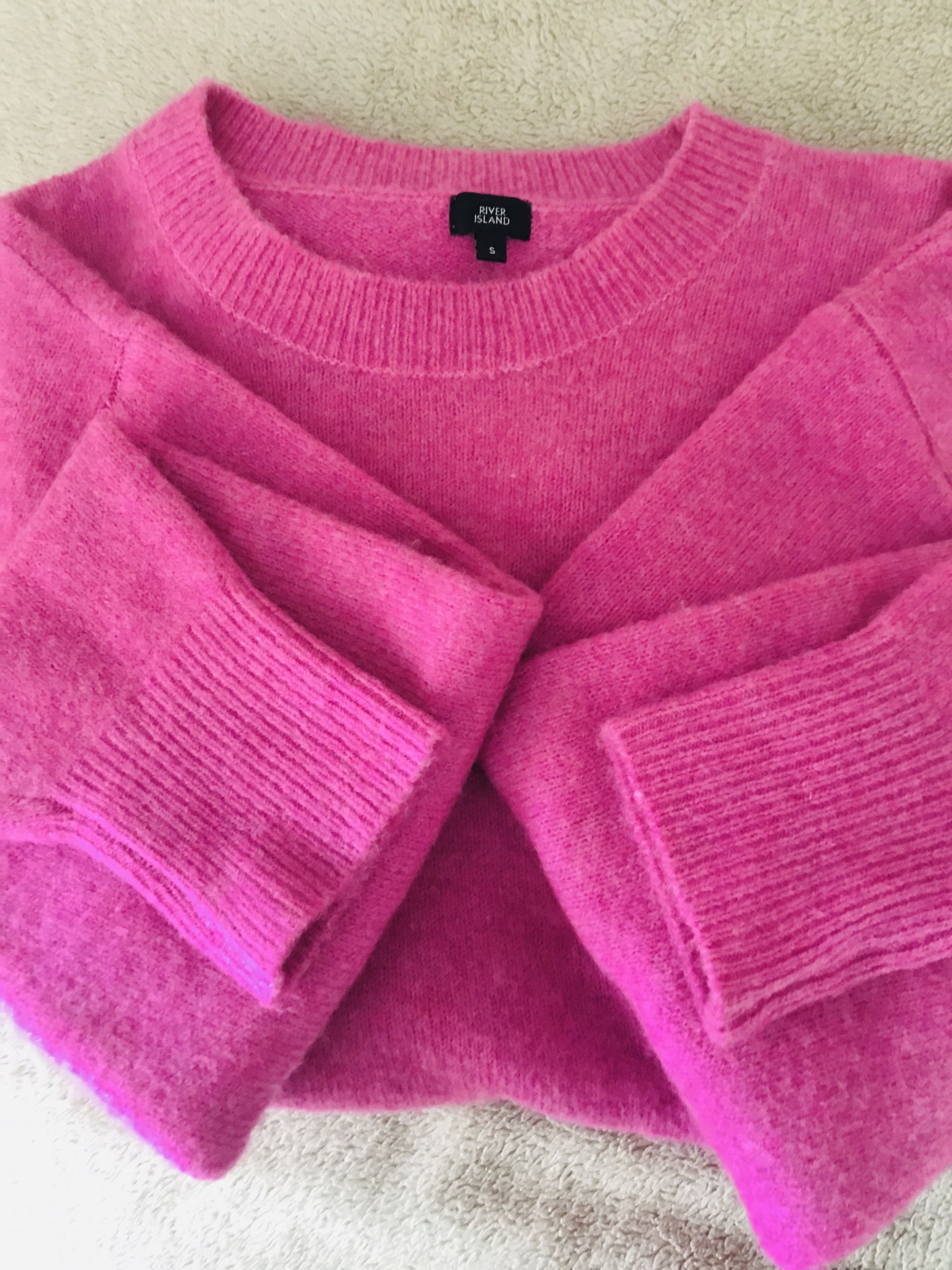Pink Fluffy jumper Vibes!